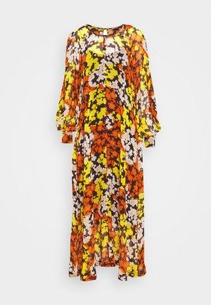 HISANO MAXI DRESS - Robe longue - yellow ochre