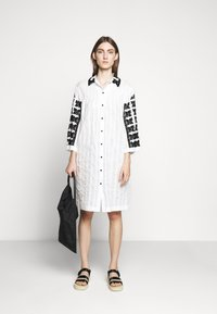 McQ Alexander McQueen - TOMOKO DRESS - Blusenkleid - white - 1