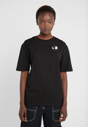 BOYFRIEND TEE - T-shirt basic - darkest black/white
