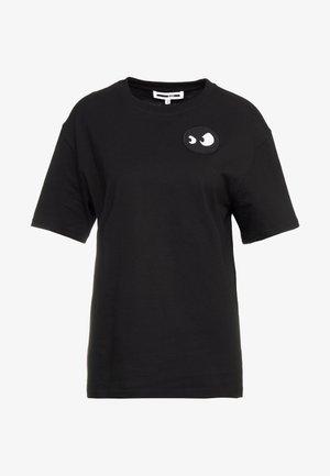 BOYFRIEND TEE - T-shirt basique - darkest black/white