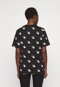 McQ Alexander McQueen - BAND - T-shirts print - black - 2