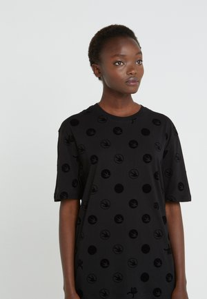 BOYFRIEND TEE - Printtipaita - black