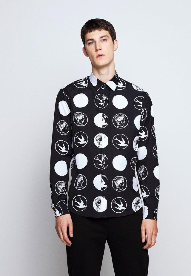 YOKE SHEEHAN SWALLOW - Overhemd - darkest black