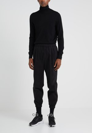 CASUAL TRACKPANT - Pantalon classique - darkest black