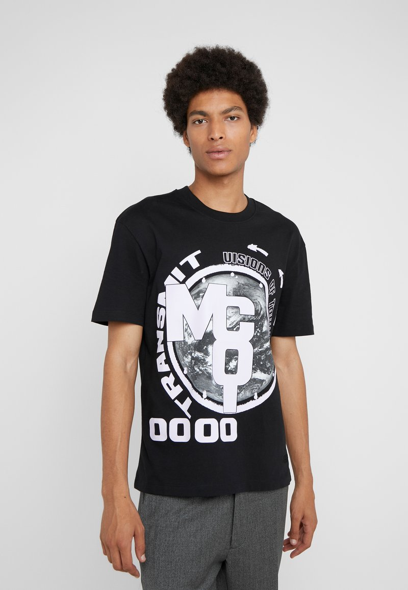 McQ Alexander McQueen - DROPPED SHOULDER TEE - T-shirt med print - darkest black