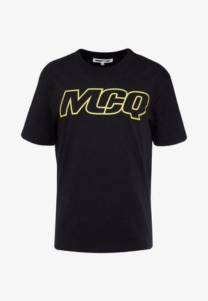 DROPPED SHOULDER TEE - T-shirts med print - darkest black