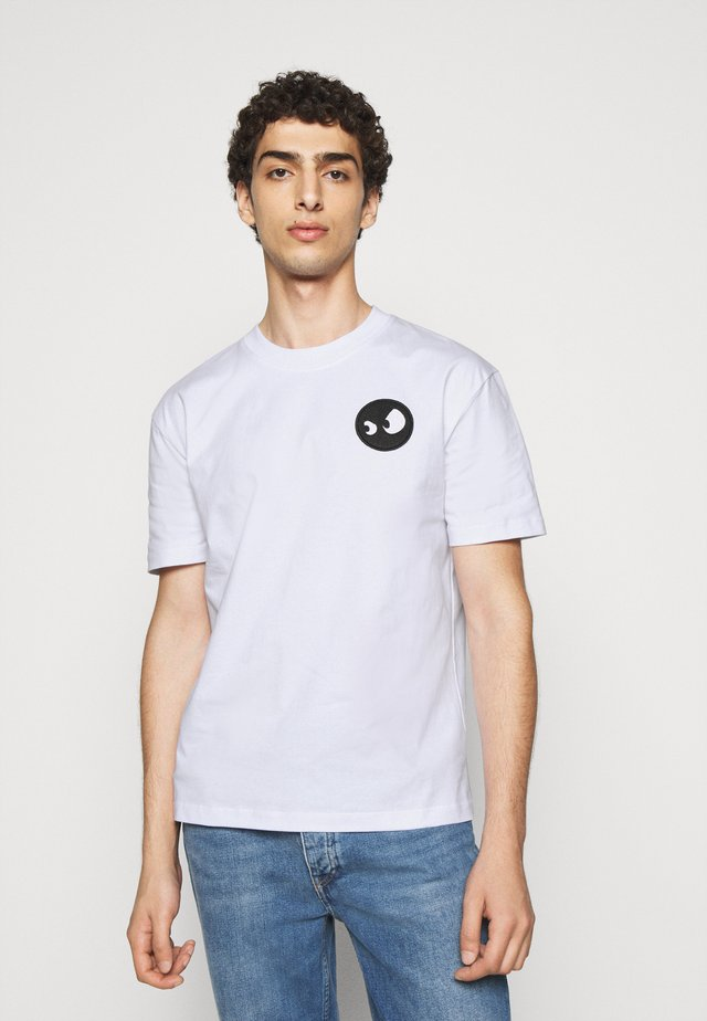 DROPPED SHOULDER - T-shirt med print - optic white