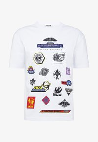 McQ Alexander McQueen - DROPPED SHOULDER TEE - T-shirt print - optic white - 4
