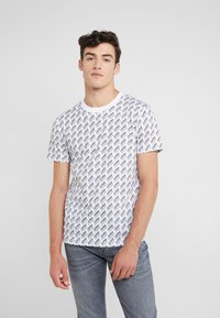 McQ Alexander McQueen - CREW NECK - Print T-shirt - optic white - 0