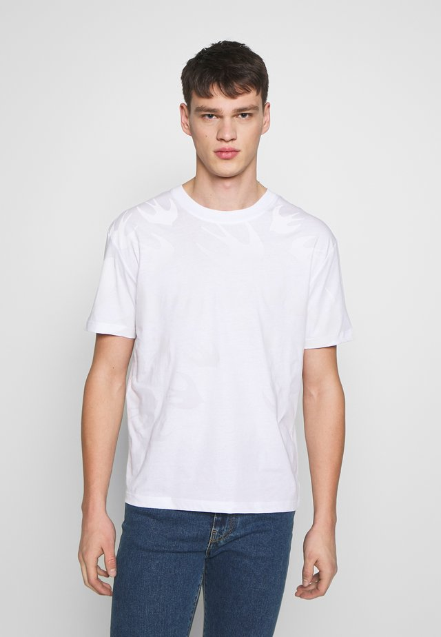 OMBRE SWALLOWDROPPED  - T-shirt print - optic white