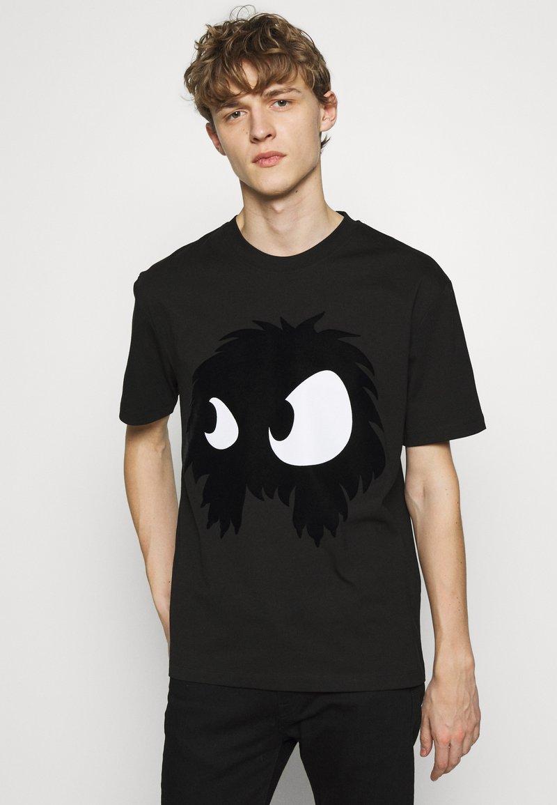McQ Alexander McQueen - MONSTER DROPPED SHOULDER - T-Shirt print - black