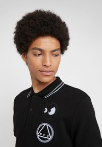 McQ Alexander McQueen - Poloshirt - darkest black/white - 5