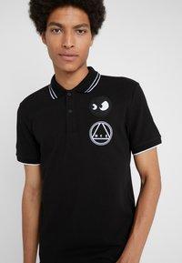 McQ Alexander McQueen - Poloshirt - darkest black/white - 3