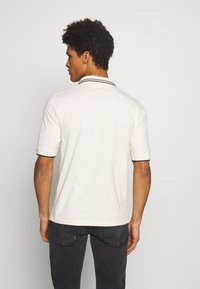McQ Alexander McQueen - DROPPED SHOULDER POLO - Poloshirts - oyster - 2