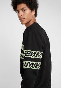 McQ Alexander McQueen - CLEAN CREW NECK - Sweatshirt - darkest black - 3