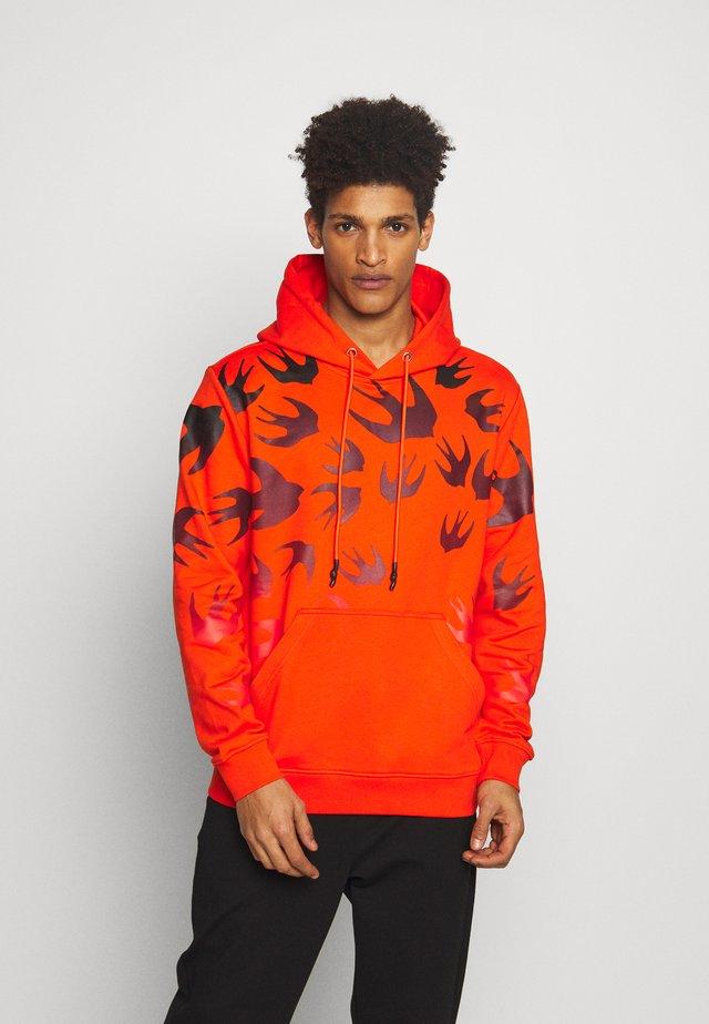 HOODIE - Bluza z kapturem - orange voltage/black