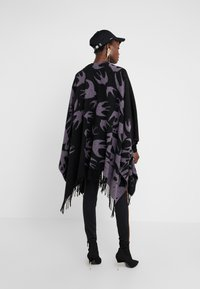 McQ Alexander McQueen - CUT UP SWALLOW - Poncho - black/lilac - 2