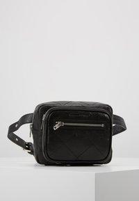McQ Alexander McQueen - BELT BAG - Vyölaukku - black - 0