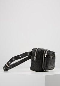 McQ Alexander McQueen - BELT BAG - Vyölaukku - black - 3