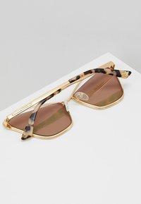 McQ Alexander McQueen - Solbriller - gold-coloured - 4