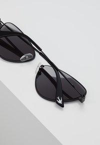 McQ Alexander McQueen - Sonnenbrille - black/grey - 4