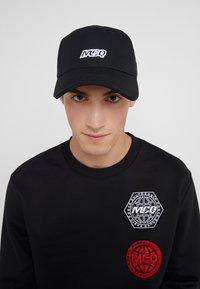 McQ Alexander McQueen - BASEBALL CAP - Cap - black - 1