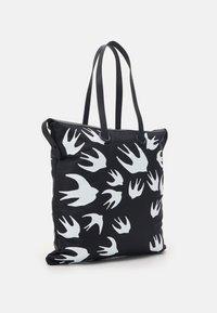McQ Alexander McQueen - MAGAZINE TOTE SWALLOW - Tote bag - black - 2
