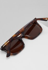 McQ Alexander McQueen - Solbriller - havana/brown - 5