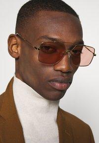 McQ Alexander McQueen - Solbriller - gold-coloured/pink - 3