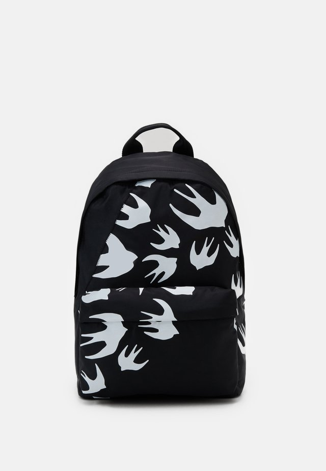 CLASSIC BACKPACK SWALLOW - Tagesrucksack - black