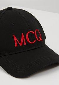 McQ Alexander McQueen - Cap - black/red - 2