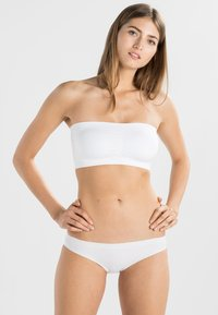 MAGIC Bodyfashion - Strapless BH - white