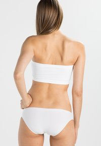 MAGIC Bodyfashion - Strapless BH - white - 2