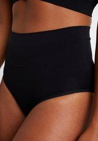 MAGIC Bodyfashion - COMFORT - Stahovací prádlo - black - 4
