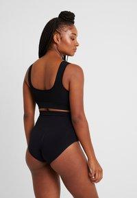 MAGIC Bodyfashion - COMFORT - Stahovací prádlo - black - 2