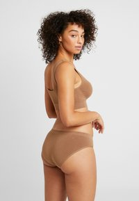 MAGIC Bodyfashion - TRENDY HIPSTER 2 PACK - Slip - mocha - 2
