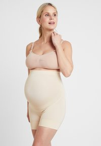 MAGIC Bodyfashion - MOMMY SUPPORTING SHORT - Body - latte - 1