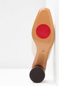 MAX&Co. - ACRONIMO - Sandaler - ivory - 6