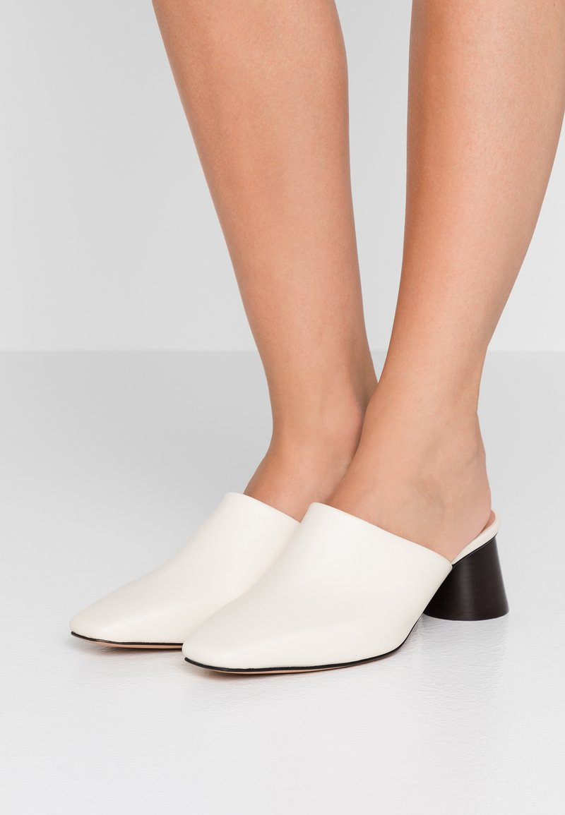 MAX&Co. - ACRONIMO - Pantolette hoch - ivory