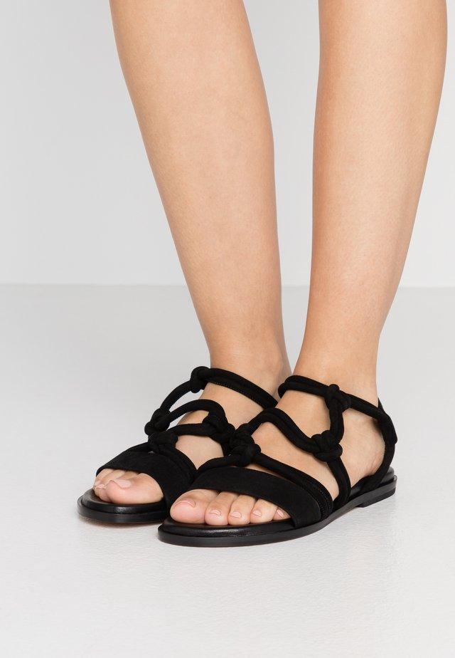 ANNOTARE - Sandaalit nilkkaremmillä - black