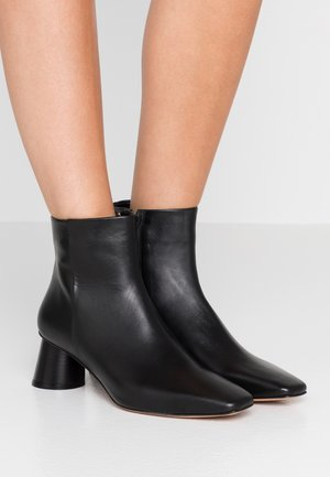 ACROPOLI - Bottines - black