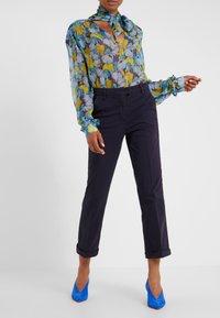 MAX&Co. - DELTA - Spodnie materiałowe - midnight blue - 0