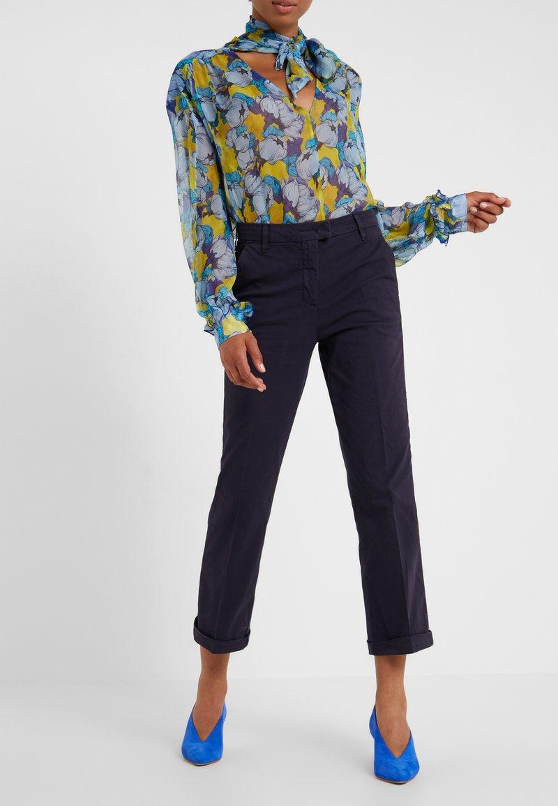 MAX&Co. - DELTA - Spodnie materiałowe - midnight blue