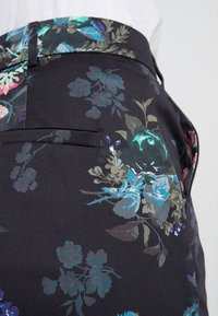 MAX&Co. - PAESE - Stoffhose - navy blue pattern - 3