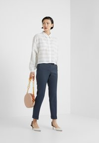 MAX&Co. - PASCAL - Bukse - navy blue pattern - 1
