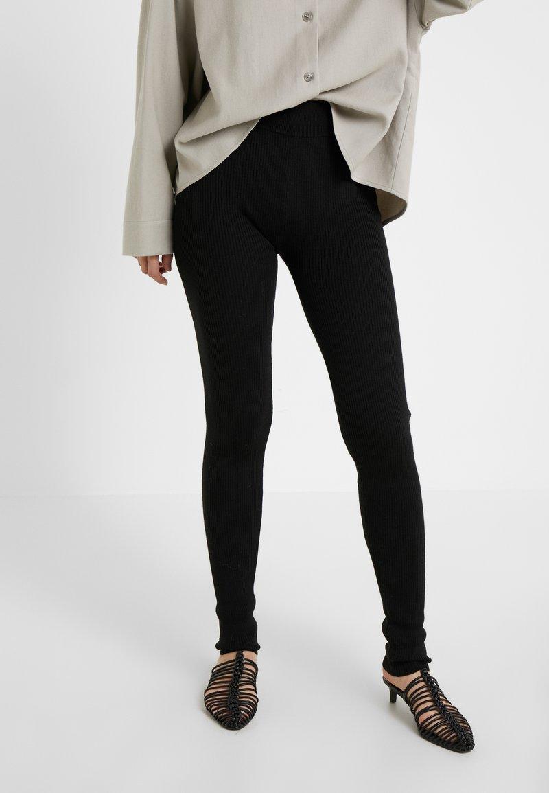 MAX&Co. - ANTICIPO - Leggings - Trousers - black
