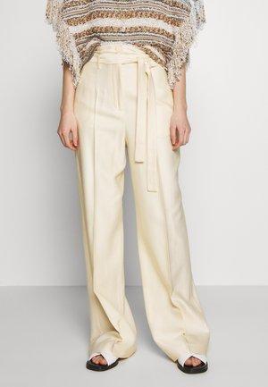 PAZIENTE - Pantalones - ivory