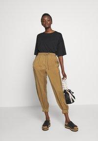 MAX&Co. - DITTA - Teplákové kalhoty - brown - 1