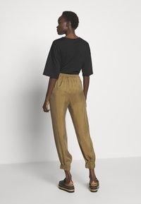 MAX&Co. - DITTA - Teplákové kalhoty - brown - 2