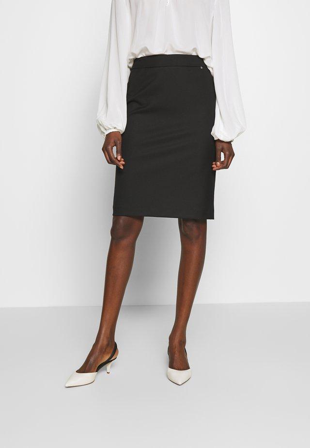 MANAGUA - Áčková sukně - black